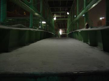 雪の歩道橋