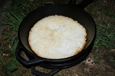 ダッチオーブンで炊飯