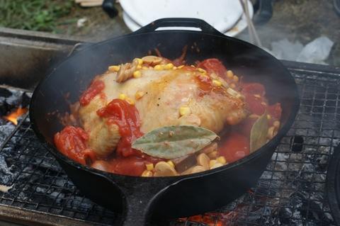丸鶏のトマト煮